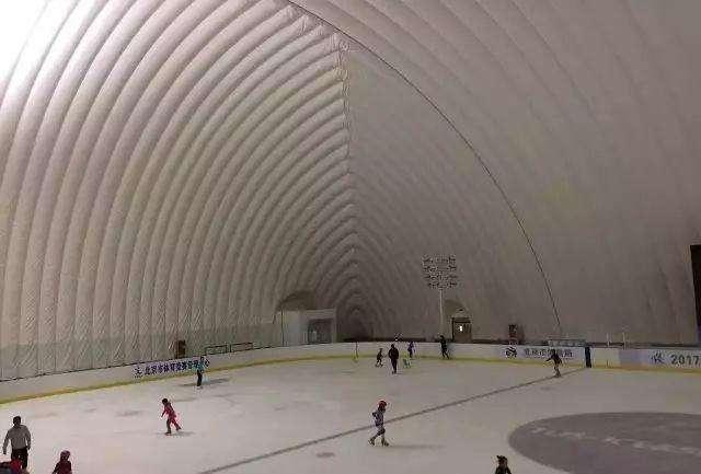 气膜溜冰场